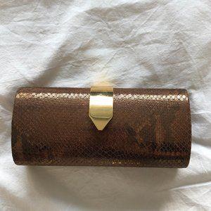 3/$30 ✨NWT Banana Republic Bronze Snakeskin Clutch